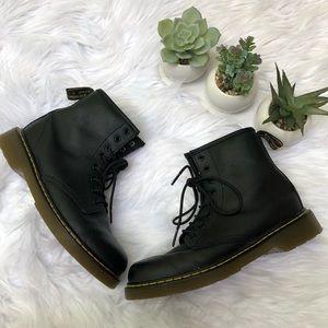 """Doc Martens """"Delaney"""" Side Zip Boots Kids Black"""
